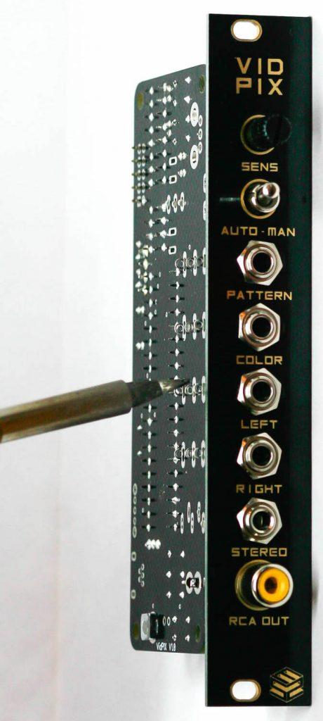 VID PIX Soldering of panel components